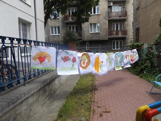 prace dzieci malowane farbami